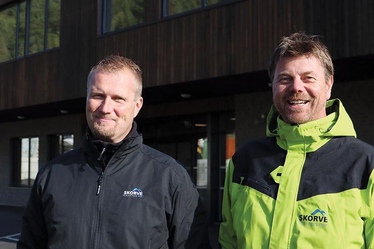 Anleggsleder Werner Øverland (t.v) og prosjektleder Åge Seltveit i Skorve Entreprenør. Foto: Svanhild Blakstad