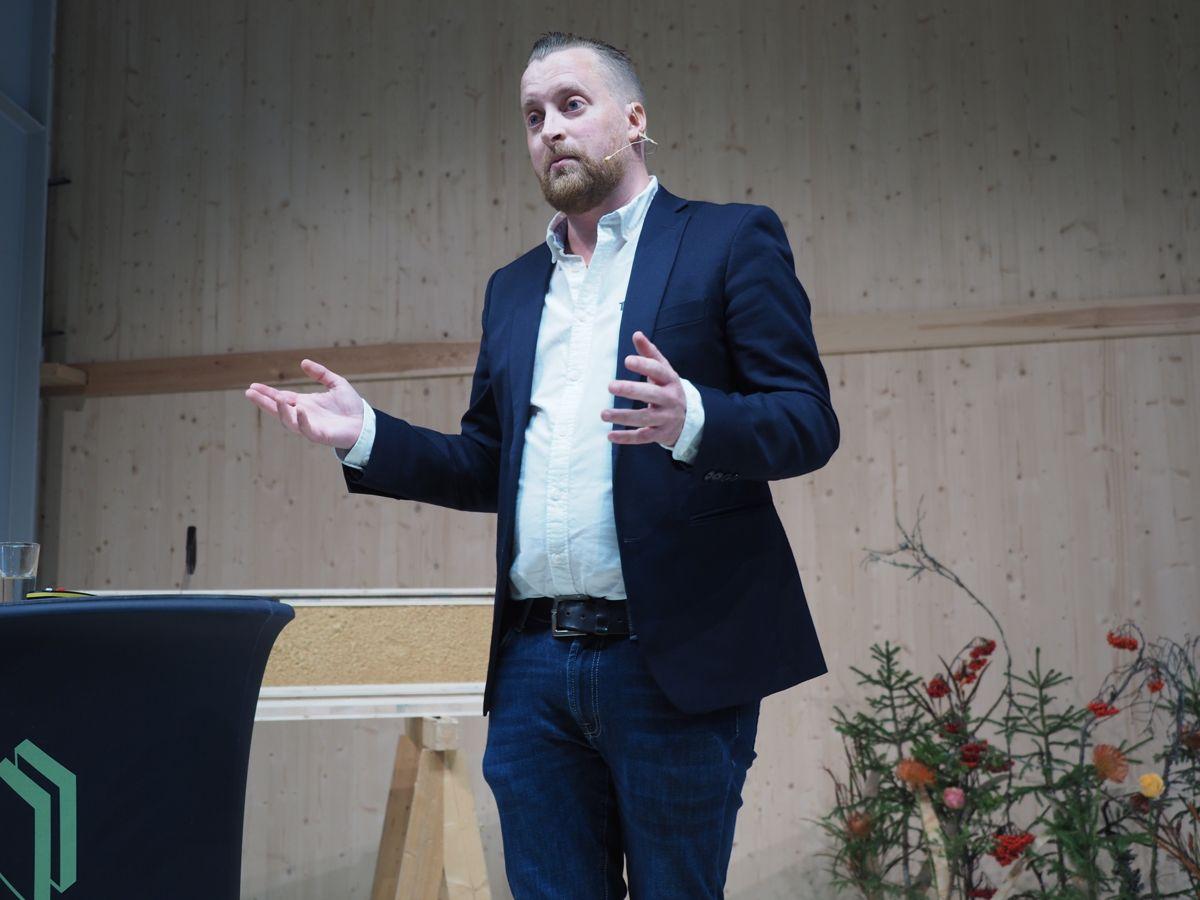<p>Gründer og daglig leder Henning Thorsen i Termowood. Foto: Jørn Hindklev</p>