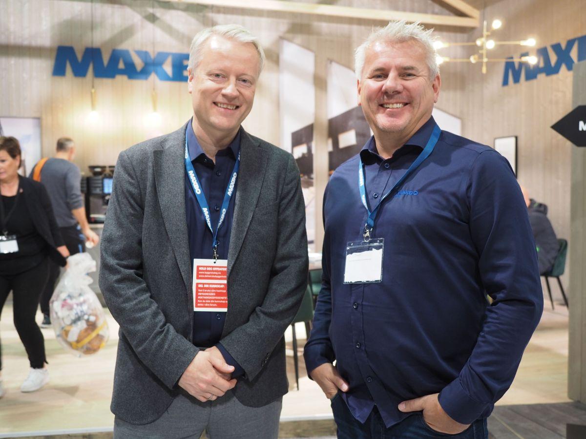 <p>Markedsdirektør Eirik Grønlie og salgsdirektør Christian Mathisen på Maxbos stand. Foto: Jørn Hindklev</p>