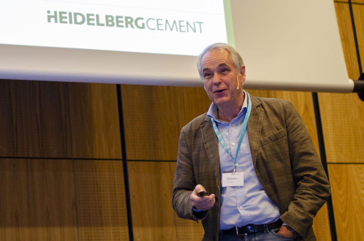 Betongteknolog Kjell Skjeggerud i Norcem.