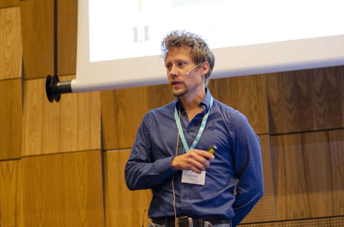Sindre Sandbakk i Dr. techn. Olav Olsen fortalte om marine konstruksjoner i betong.