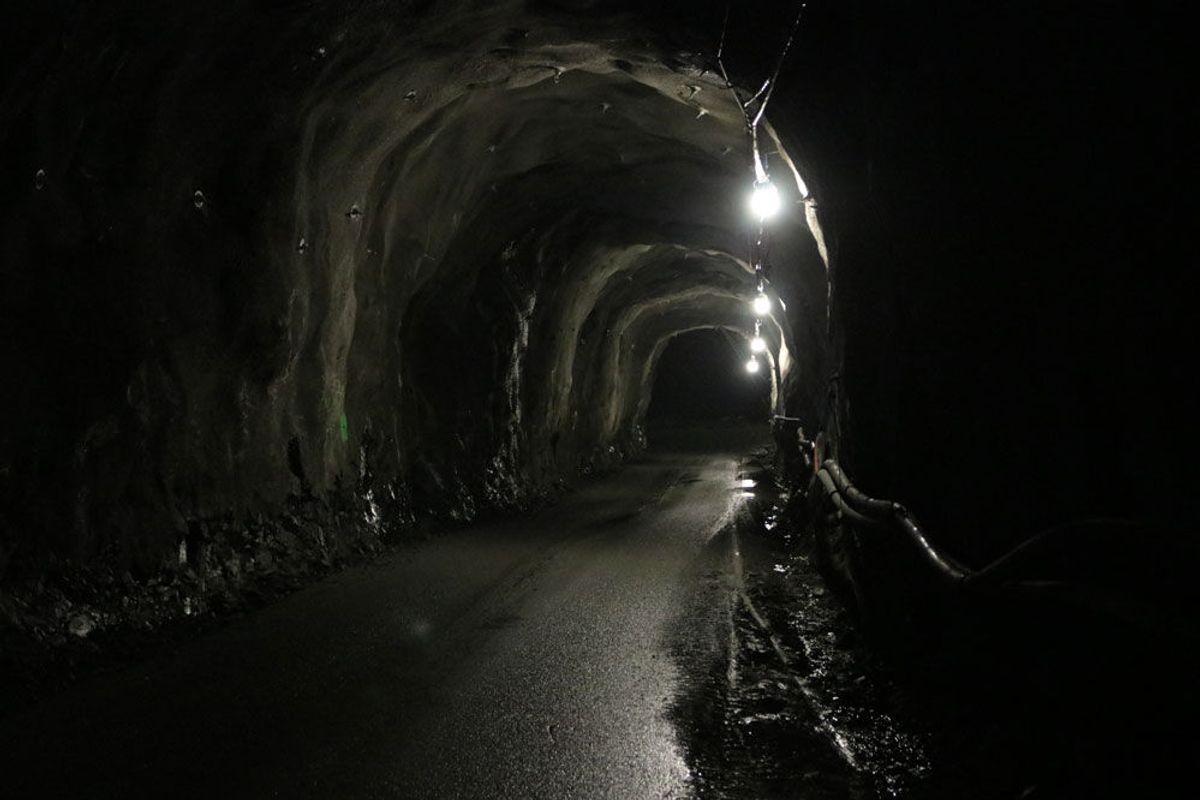 Etter gjennomslaget kan Statnett på sine nettsider informere om at det aller meste nå er unnagjort. Det vil likevel fortsatt være arbeider som skal gjøres i tunnelen, og det kan fortsatt bli noe sprengningsarbeid. Foto: Malin S. Strandberg.