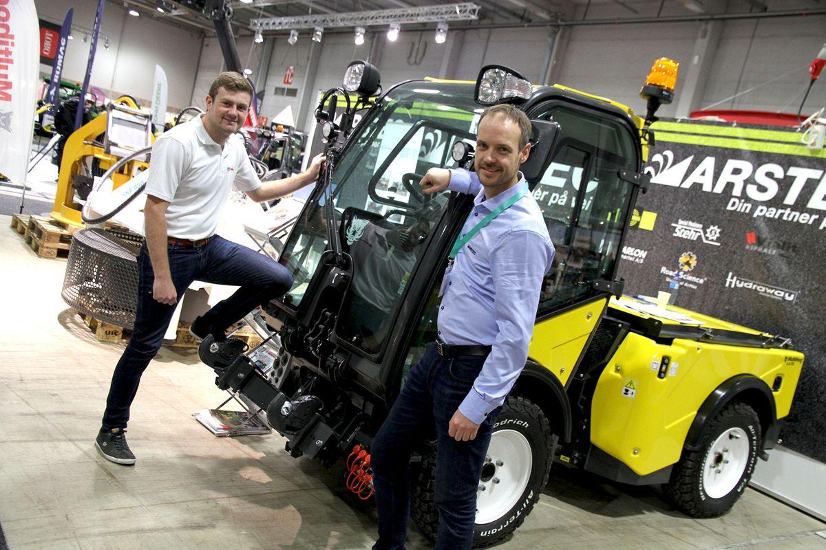 <p>Blant de mer enn 150 utstillerne er det en rekke leverandører av maskiner og utstyr. Bildet er fra Park- og anleggsmessen 2018. Foto: Ole Petter Opøien</p>