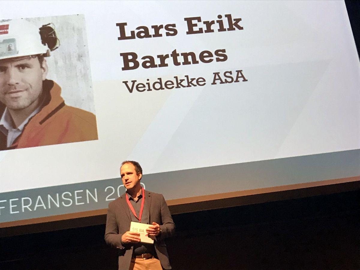 HMS-direktør Lars Erik Bartnes i Veidekke er møteleder for HMS-konferansen. Foto: Svanhild Blakstad