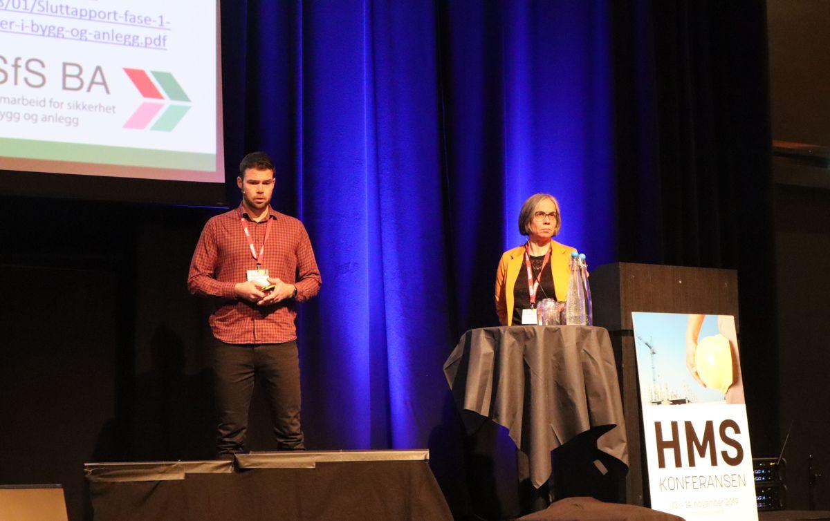 Professor Erik Albrechtsen, NTNU og underdirektør i Statsbyggs byggherreavdeling, Tanja Dugstad, redegjorde for arbeidet i en av arbeidsgruppene i SfS BA. Foto: Svanhild Blakstad