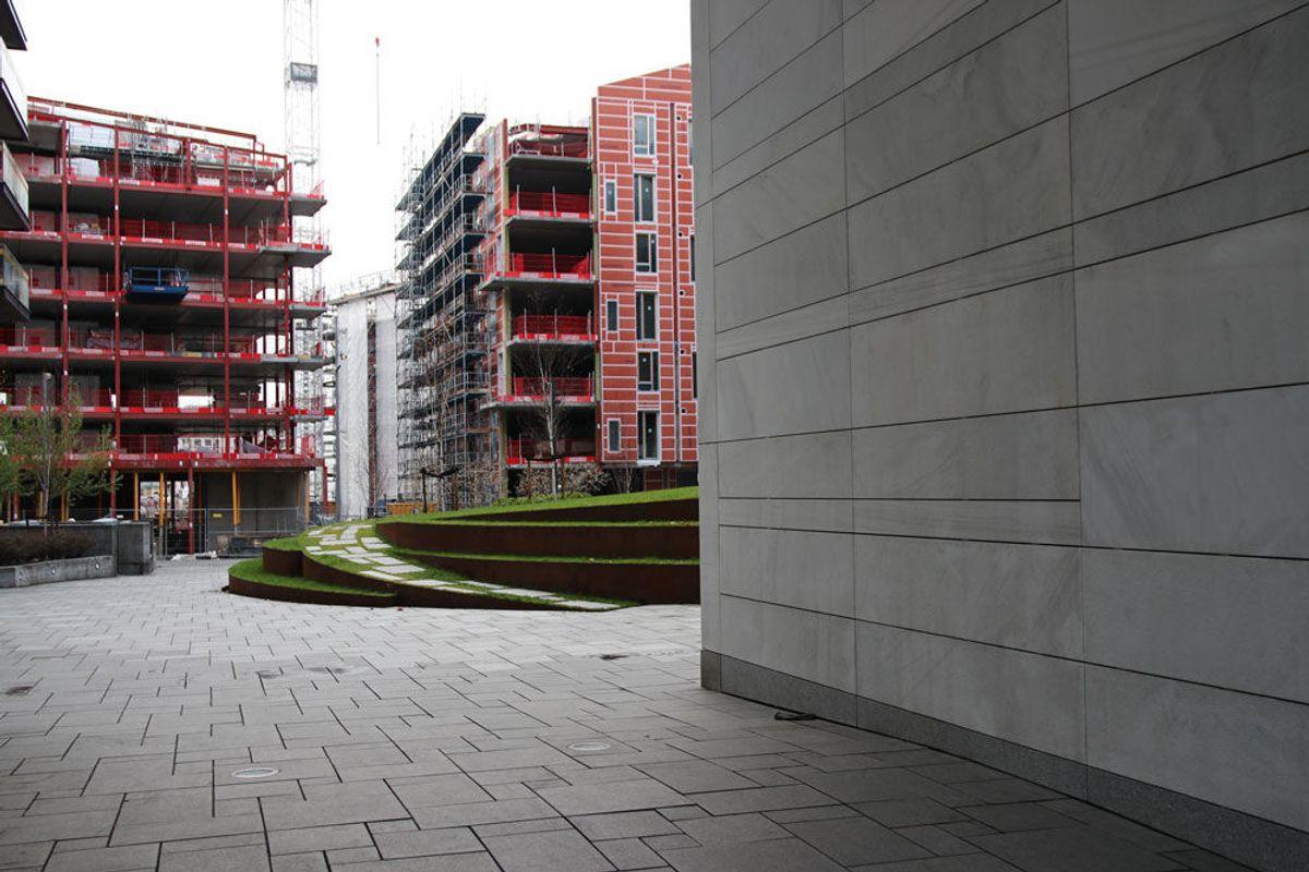 1.970 boliger er ferdigstilt i Bjørvika. Her kan man se et lite glimt fra de 260 boligene, som er under oppføring i Bispevika. Foto: Malin S. Strandberg.