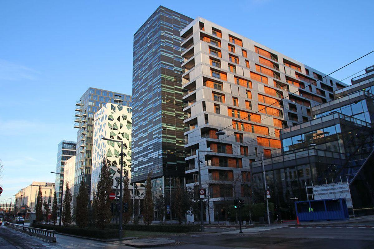BARCODE. I bildet ser du blant annet byggene DEG 14-Deloitte, MAD-bygget og KLP-bygget og Tårn B. Foto: Malin S. Strandberg.