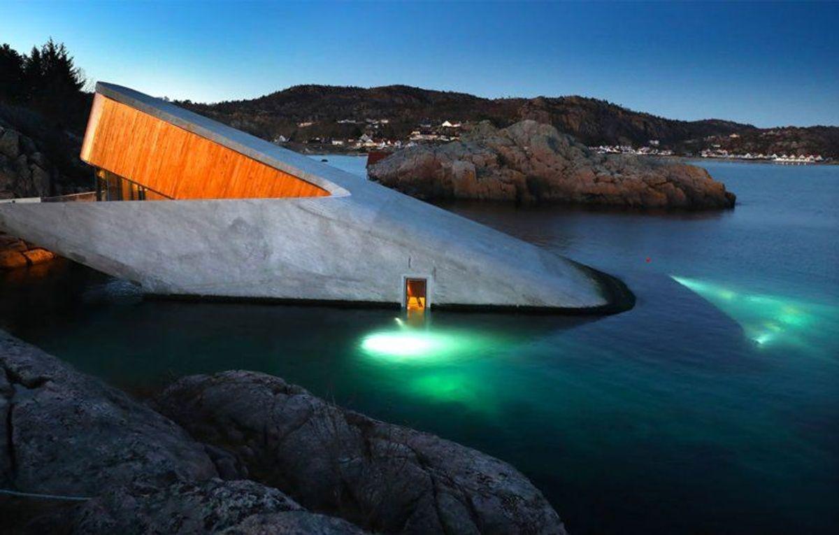 Under. Foto: Kjartan Bjelland