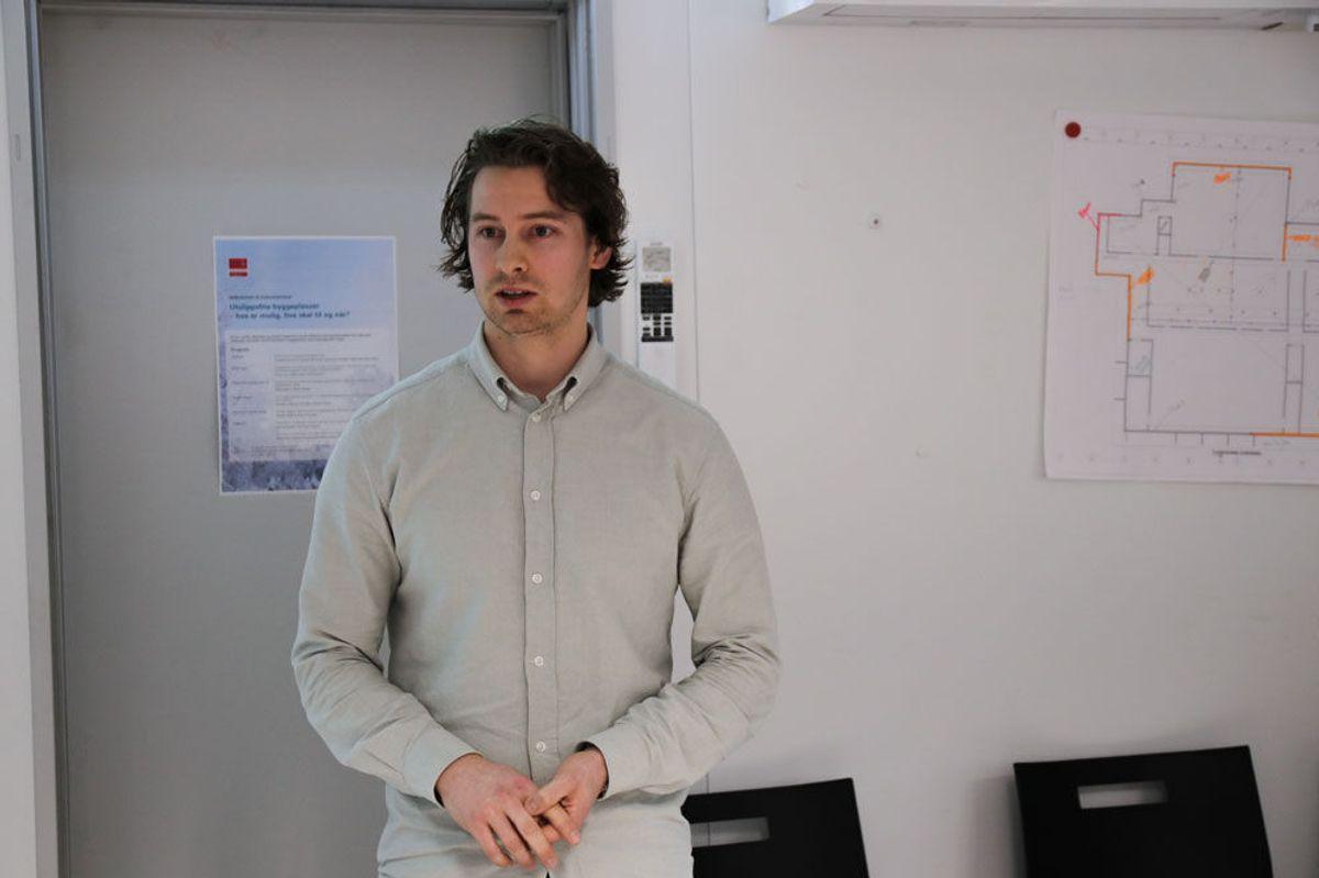 Teknisk rådgiver Even Lunder i Hafslund E-CO Ny Energi. Fra Veidekkes frokostseminar om utslippsfrie byggeplasser. Foto: Malin S. Strandberg.