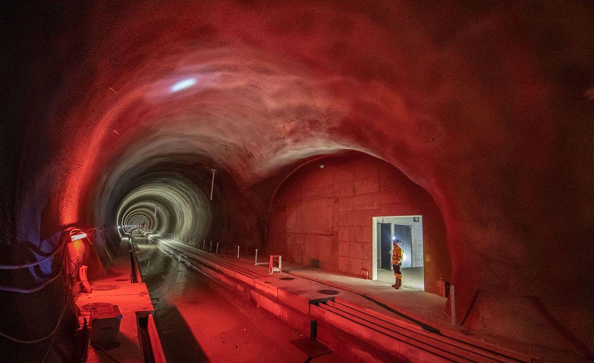 Ferdig tunnel rett før overlevering. Foto: Sverre Hjørnevik