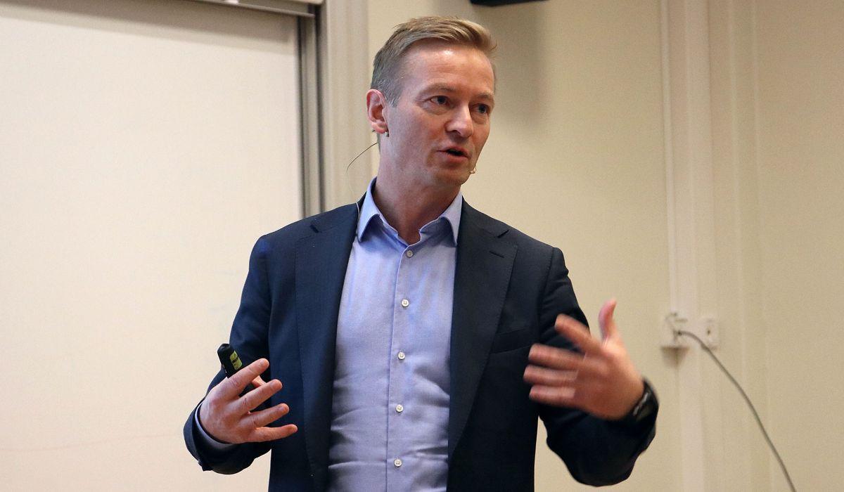 Helge Orten, leder av Stortingets transport- og kommunikasjonskomite.