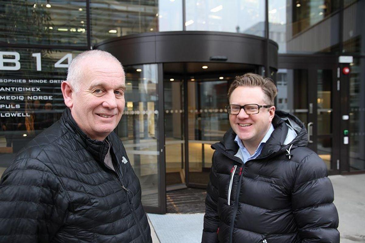 Byggherrens prosjektleder, Kjell-Are Bakke i Oslo Prosjektadministrasjon AS (til venstre), og prosjekt-leder Kristian Tenold i Betonmast Romerike AS gir hverandre og alle impliserte ros for et godt sam-arbeid gjennom hele prosjektet.