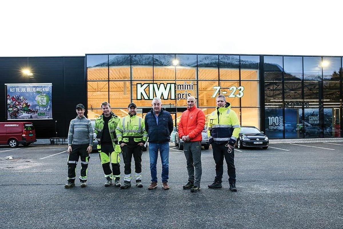 Denne gjengen har stått hardt på for å realisere Lunden Handelspark. Fra venstre Marius Eimhjellen, Ole Kristian Sørevik, Bjarte Gloppen (alle Entreprenørservice), Atle Helle (Sunnfjord Construction Group), Bjørn Myklebust (Lunden Handelspark Holding) og Oddne Etterlid (Entreprenørservice).