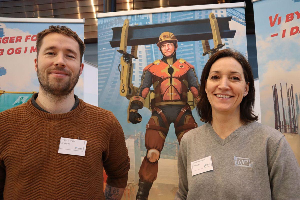 Vegard H Vaagan og Solfrid Karita Lindahn i NP Bygg. Foto: Svanhild Blakstad