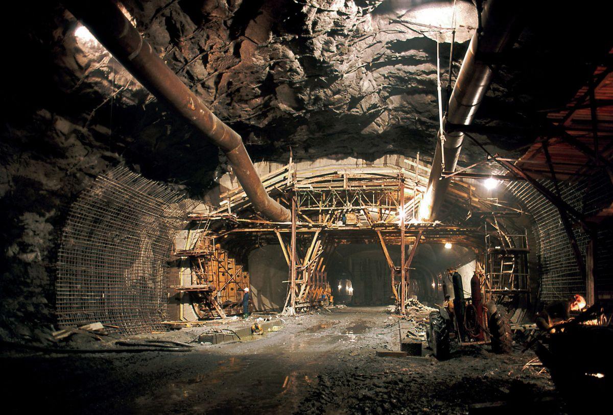Den 1.830 meter lange Festningstunnelen var et stor utbyggingsprosjekt. Foto: Byggeindustrien