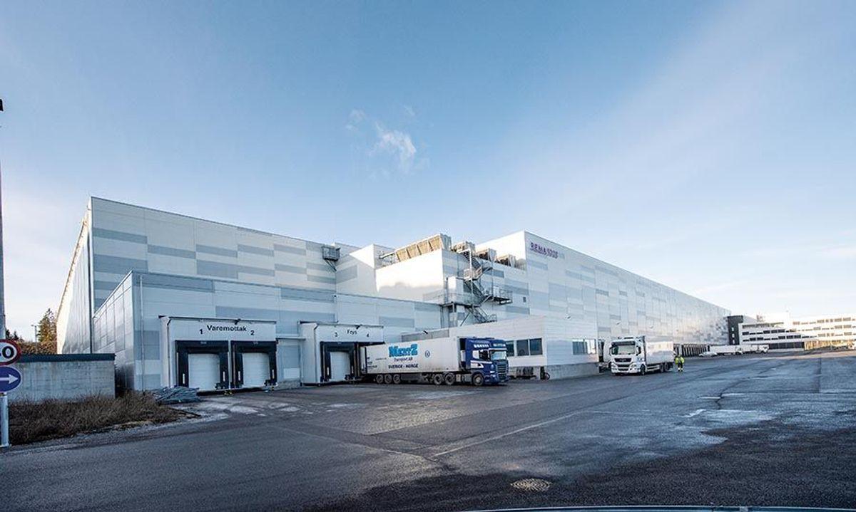 Rema Distribunal Østlandet er med sitt areal på 69.000 kvadratmeter det største lagerbygget til Rema i Norge. Foto: Trond Joelsson