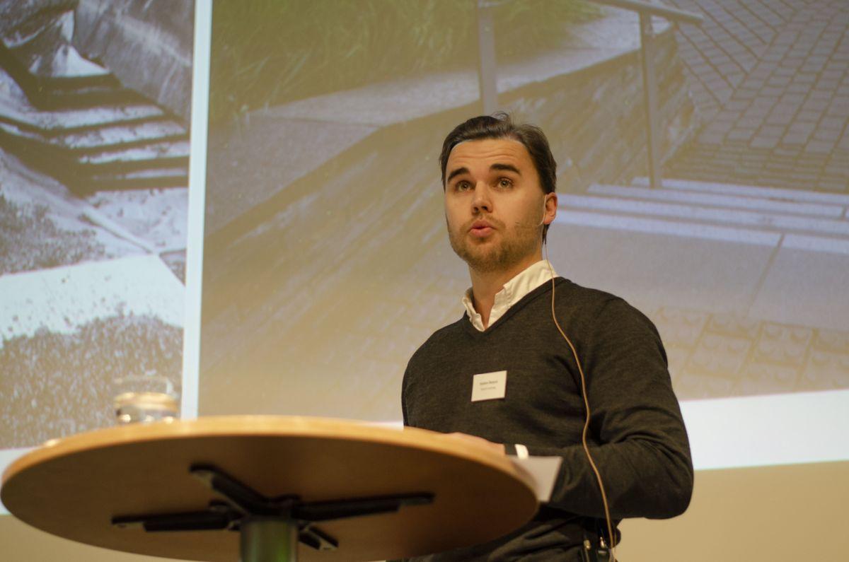 Anleggsgartner Haakon Skaaret i Skaaret Anlegg fortalte om realitetene som en anleggsgartner i Oslo opplever når der kommer til gjenbruk og ombruk av bygg- og anleggsavfall til utomhusarbeider.