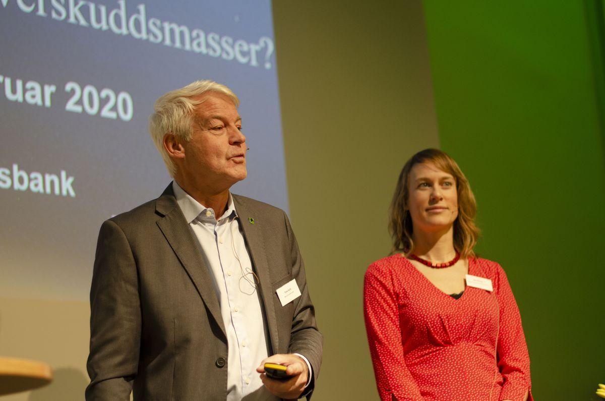 Tore Gulli i Bærum kommune og Ida Nilsson i Norconsult og Bærum kommune fortalte om Bærum ressursbank under Byggavfallskonferansen.