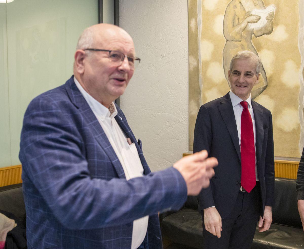 Tidligere utenriksminister Jonas Gahr Støre vitner i Ølen Betong-saken. Atle Berge i Ølen Betong til venstre. Foto: Terje Pedersen / NTB scanpix