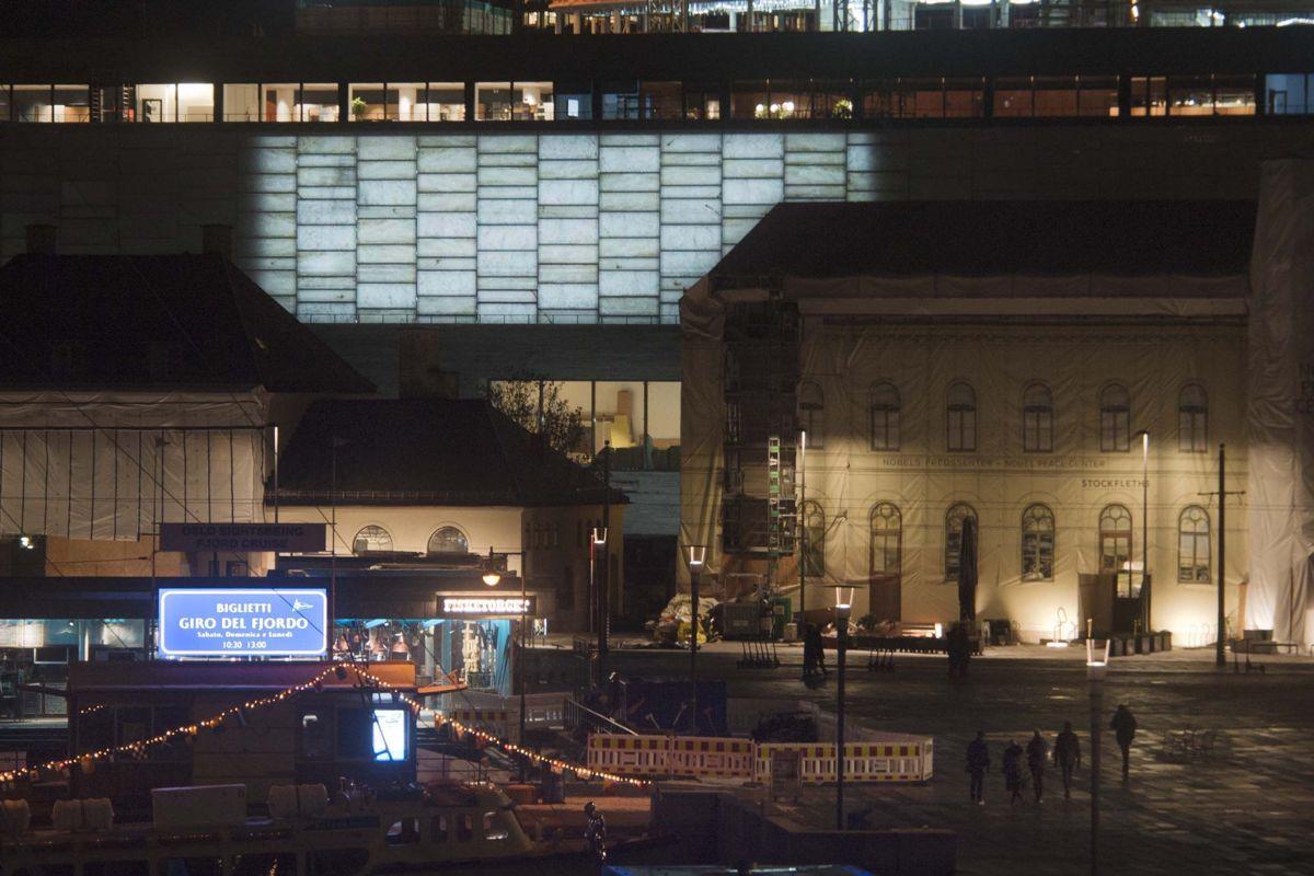 Statsbygg testet lyset i glasshallen på det nye Nasjonalmuseet. Foto Ken Opprann