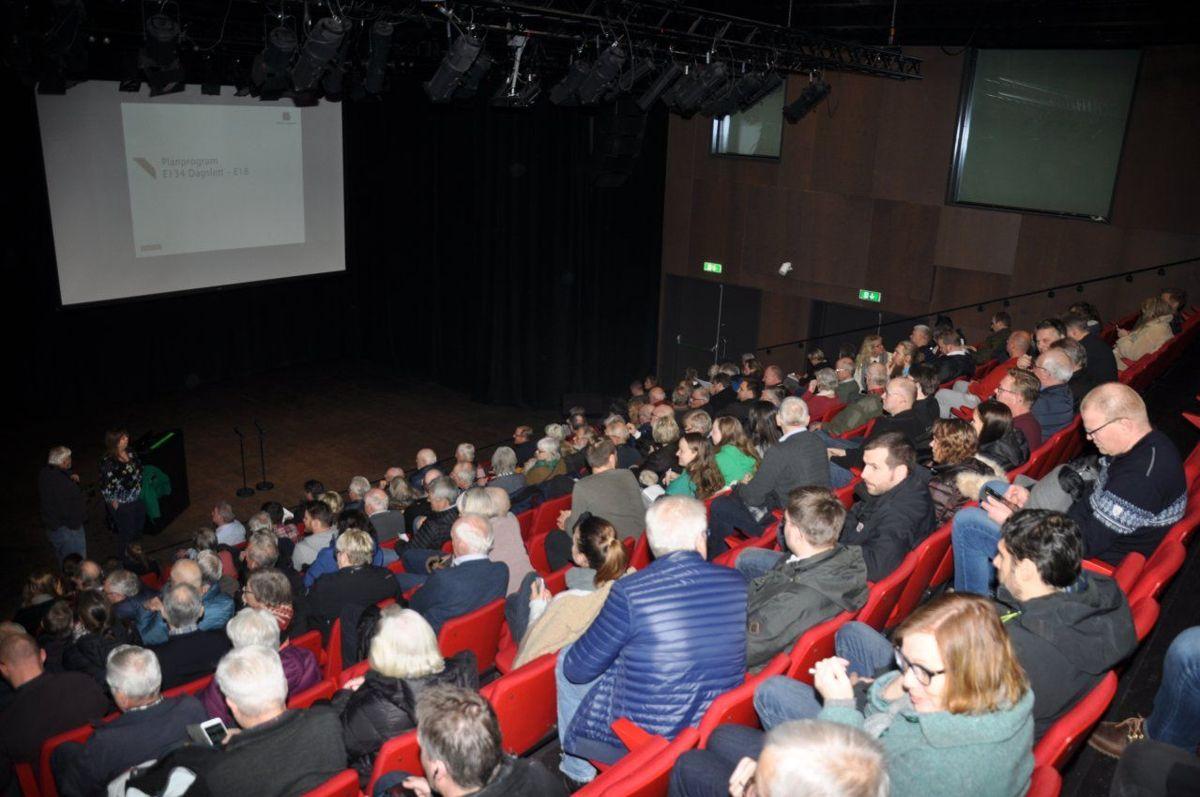 Litt over 150 mennesker deltok på presentasjonen i Lier onsdag 5. februar. Foto: Kjell Wold / Statens vegvesen