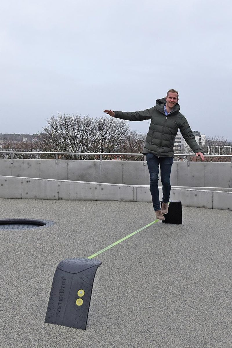 Byggherrerepresentant Håvar Gya fra Prosjektil holder balansen.