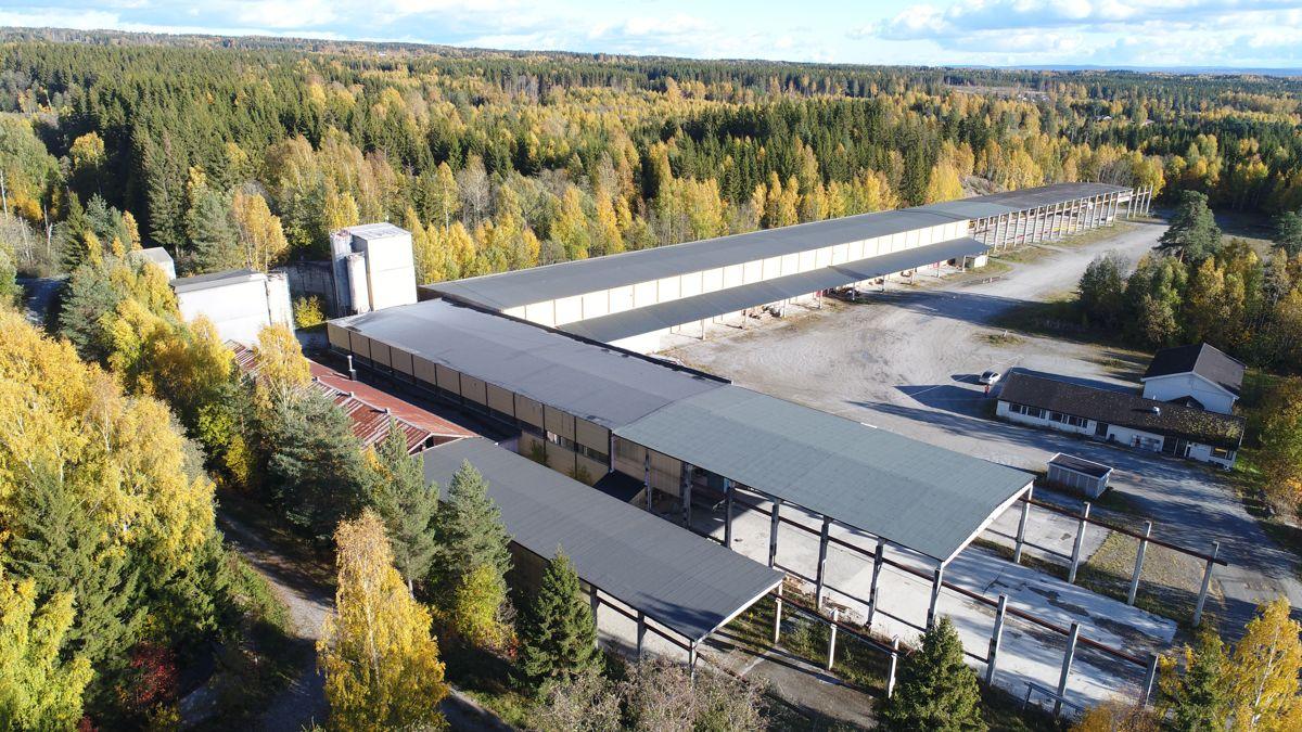 Slik så fabrikken ut før rehabilitering. Foto: Brede Lesjø.
