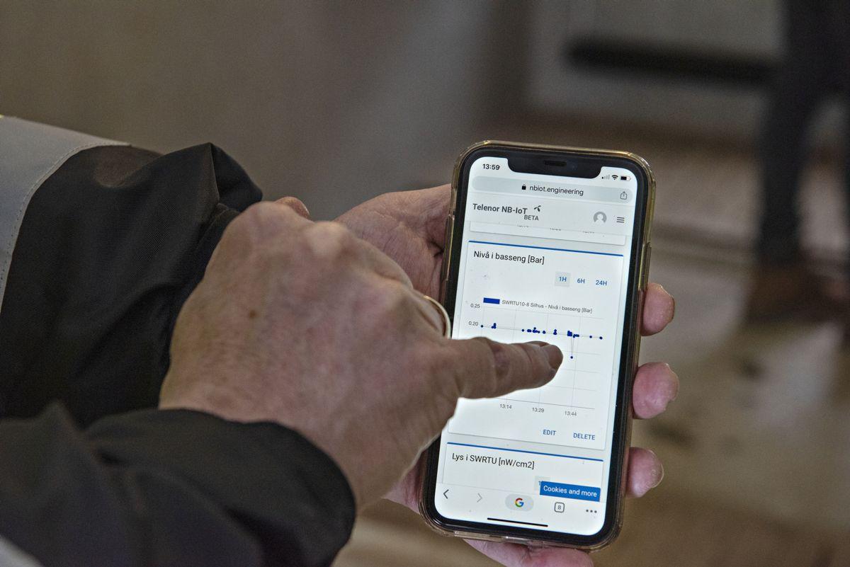 Her vises nivådata fra løsningen på telefonen. Foto: Pipelife