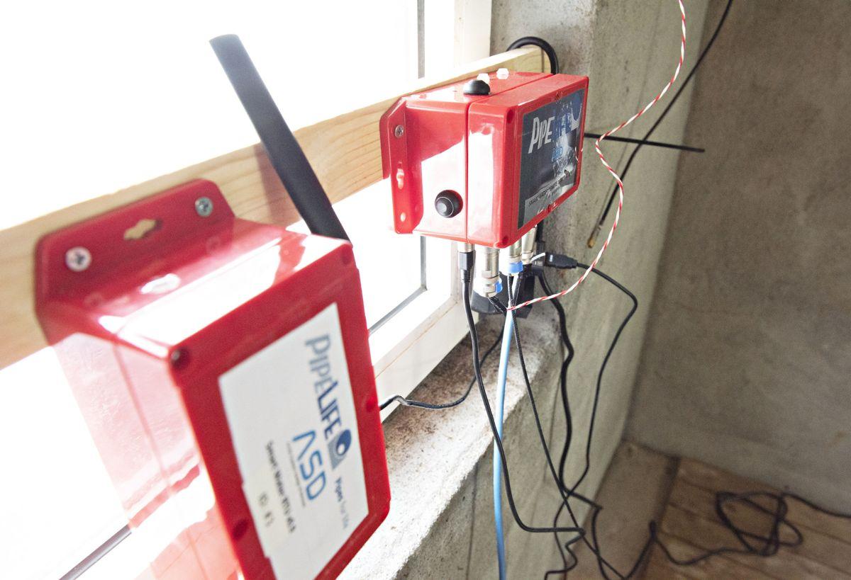Deler av installasjonen med Pipelifes Smart Remote Terminal Unit som er utviklet sammen med Trondheimsbaserte ASD. Foto: Pipelife