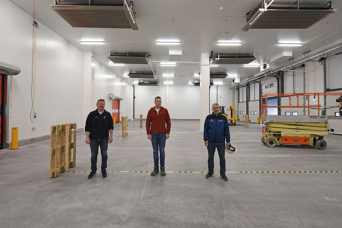 Fra venstre: daglig leder Andreas Gut, prosjektleder Inge Olav Skåden og byggherre Roald Toppe.