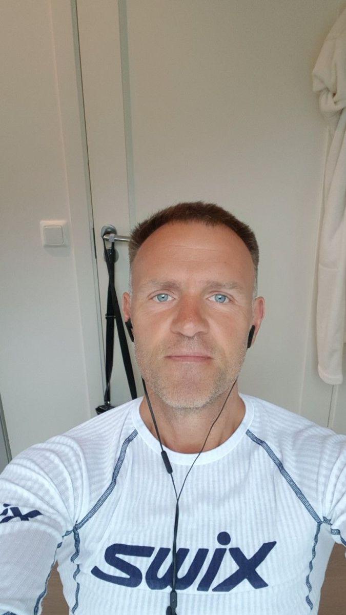 Regionsjef Knut Lien i Norgips sier det jobbes 24/7 for å levere høykvalitets gipsplater til det norske og svenske byggemarkedet.