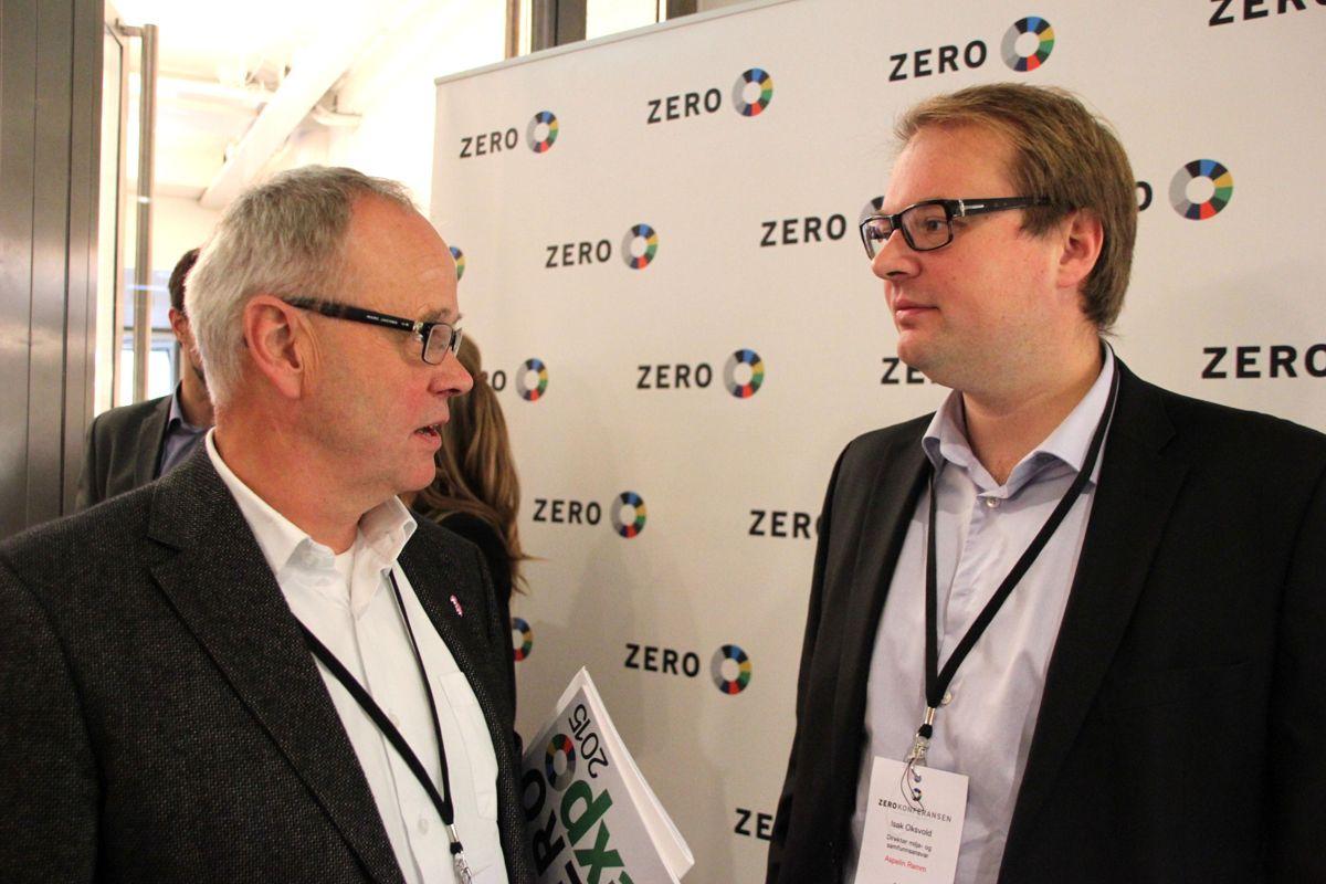 Sverre Tiltnes i Bygg21 og Isak Oksvold i Aspelin Ramm er godt fornøyd med at Zerokonferansen har fått et sterkere fokus på bygg og byer. Foto: Foto: Svanhild Blakstad