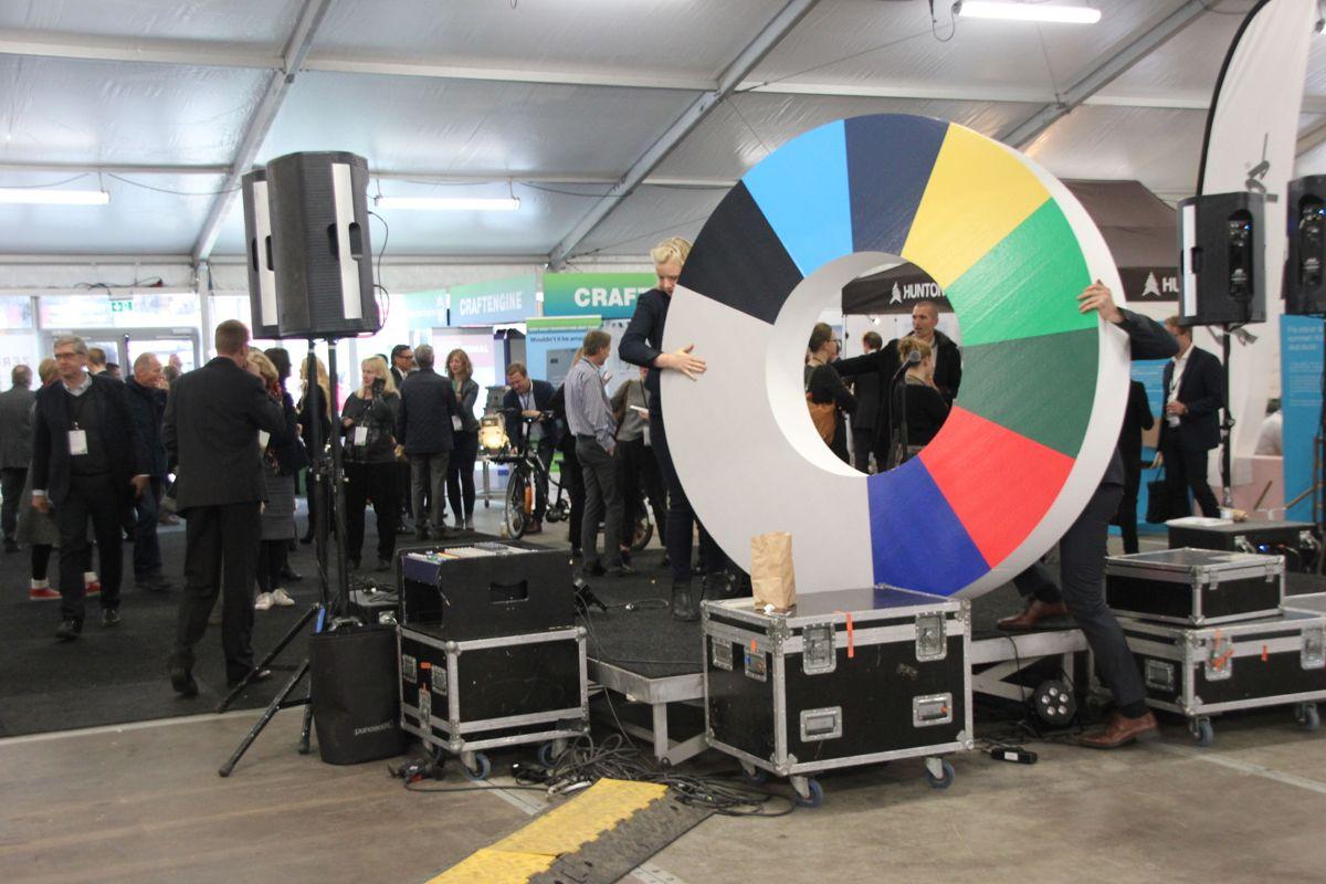 Temautstillingene på Zerokonferansen 2015 presenterer det fremste innen dagens klimateknologi og morgendagens løsninger. (Foto: Svanhild Blakstad)