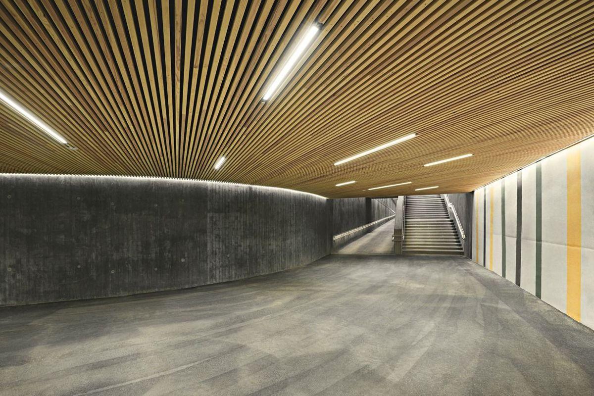 Høvik stasjon i Bærum er nominert i kategorien Beste utendørsbelysning. Foto: Halvor Næss belysningsdesigner