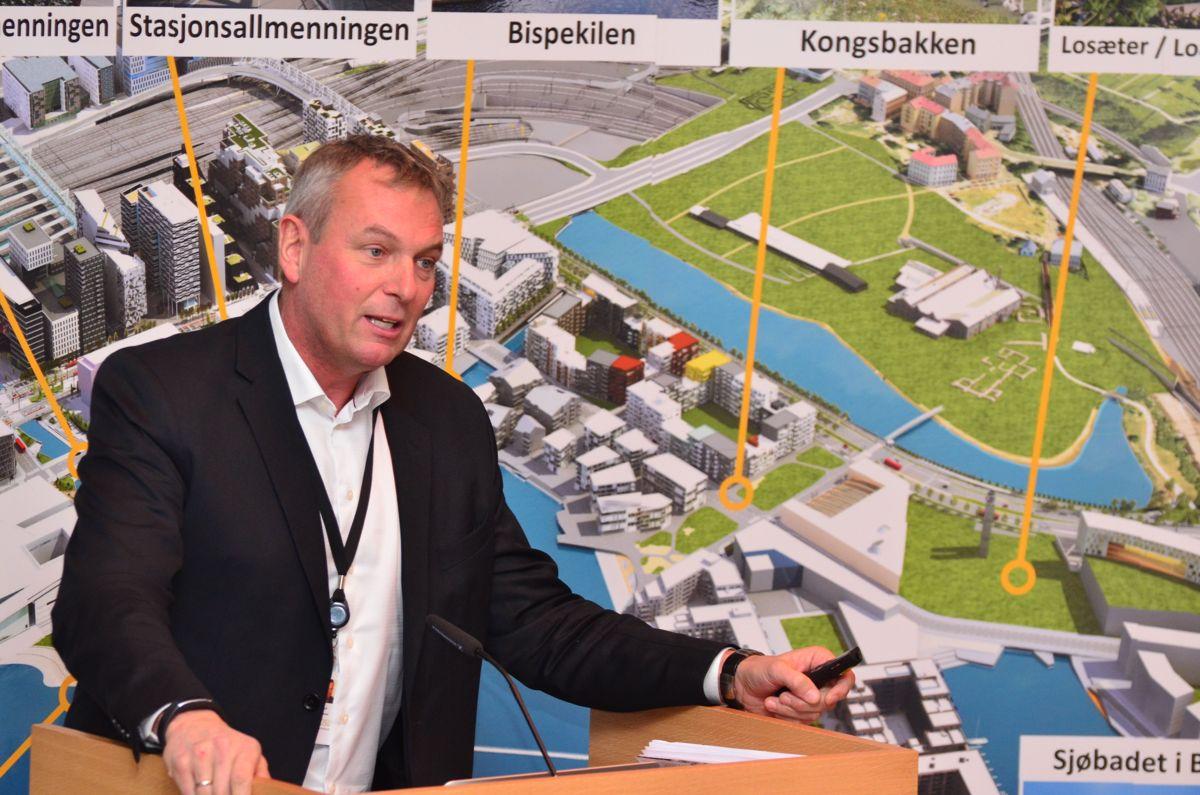 <p>Administrerende direktør Rolf Thorsen i Oslo S Utvikling var en av mange by- og kulturutviklere som møtte publikum i Bjørvikakonferansen 2015.</p>