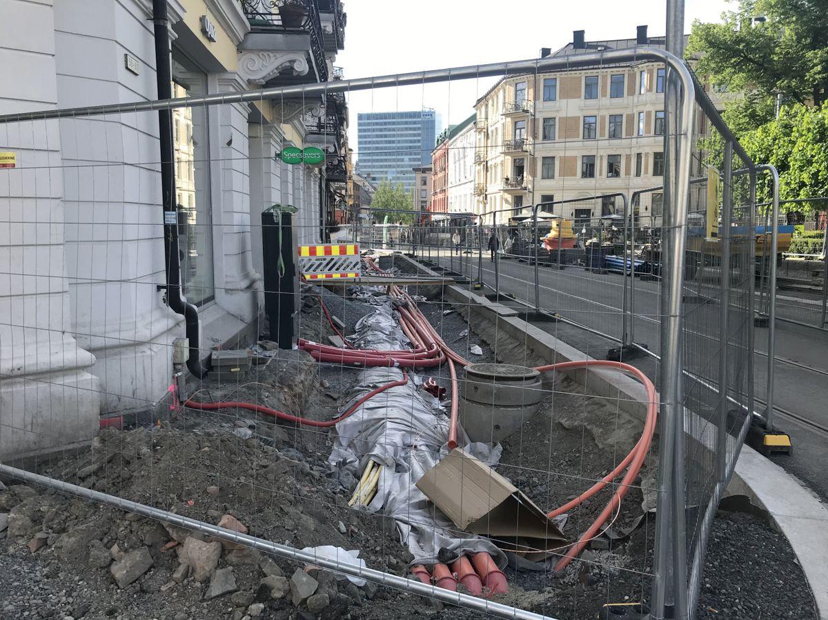 Omfattende anleggsarbeider pågår på Majorstuen i forbindelse med Trikkeprogrammet i Oslo kommune, som krever ny infrastuktur, samt utskifting av mer enn hundre år gamle vann- og avløpsrør. Foto: Svanhild Blakstad