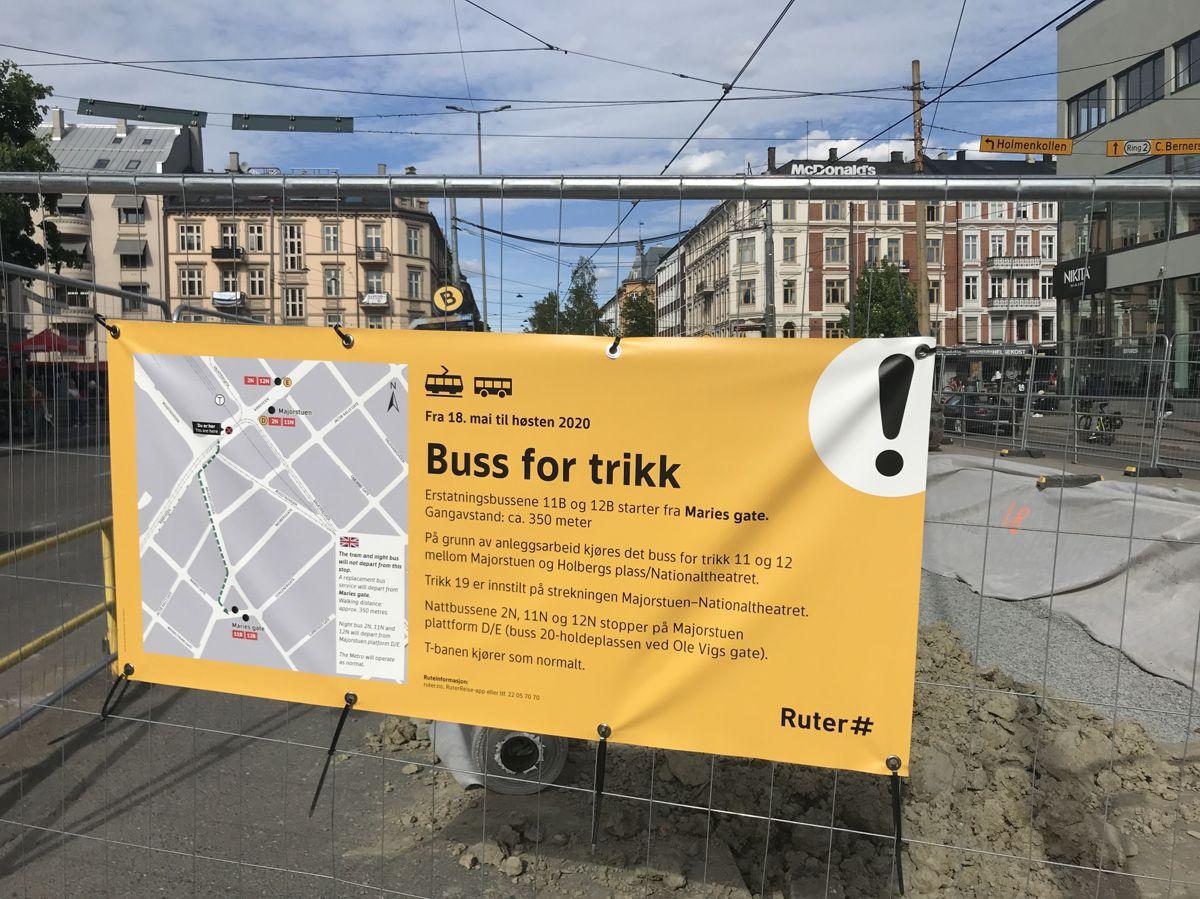 Trikken vil ikke kunne kjøre over Majorstuen før til høsten 2020. I mellomtiden på passesjerene bruke bussen. Foto: Svanhild Blakstad
