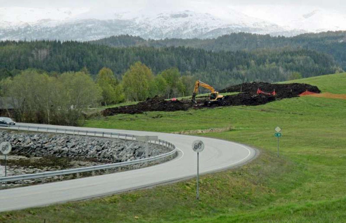 Fra utgravningsområdet Hestnes, som er godt synlig fra dagens E39. Foto: Johanne Ranvik, Statens vegvesen