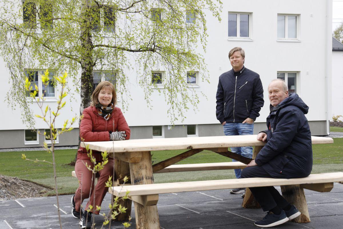 Marianne Dahl Treseng i styret, posjektleder Vidar Frydenberg og styreleder Morten Hermans.