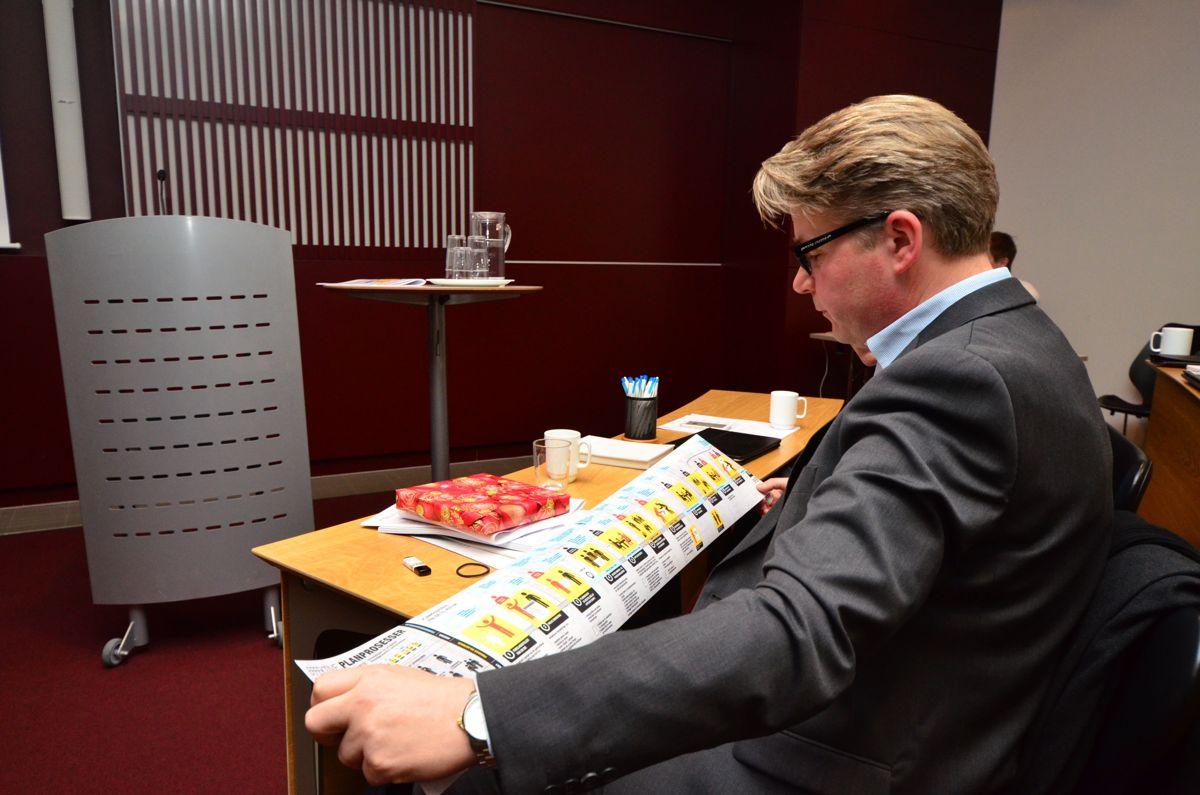 Norsk Eiendom overrakte sin stafettpinne til Kommunal- og moderniseringsdepartementet.