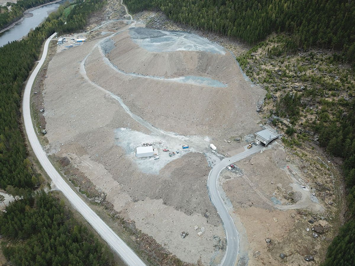 ipp ved stasjonsområdet. Her det det fylt opp hele 1,6 millioner anbrakte kubikkmeter fjell. Foto: Hafslund EC-O