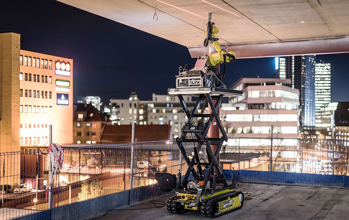 Den Sogndal-baserte robotbedriften Nlink bygger roboter som driller hull i tak. Foto: Nlink