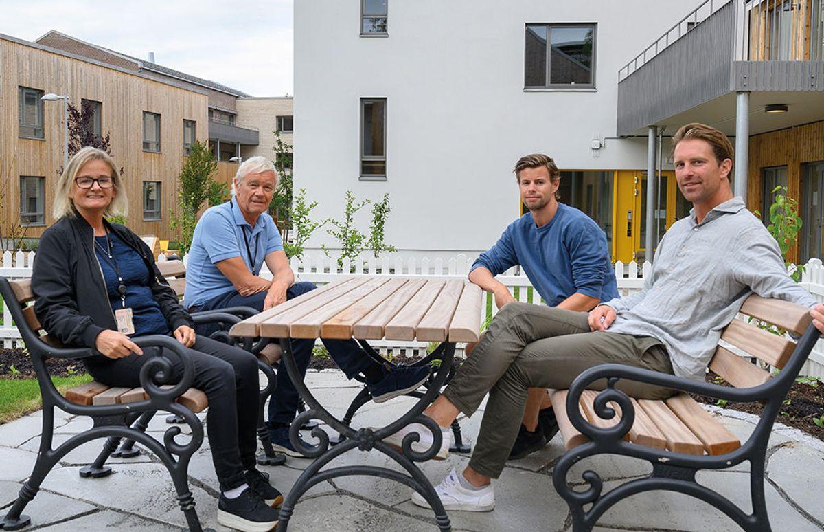 Fra venstre: Prosjektansvarlig Vibeke Schioldborg, Bærum kommune Eiendom, prosjektleder Knut Nesje, Opak, assisterende prosjektleder Morten Anker Lian og prosjektleder Svein Magnus Haaland, begge HENT. Carpe Diem demenslandsby på Dønski i Bærum, 10.8.2020 Foto: Trond Joelson, Byggeindustrien