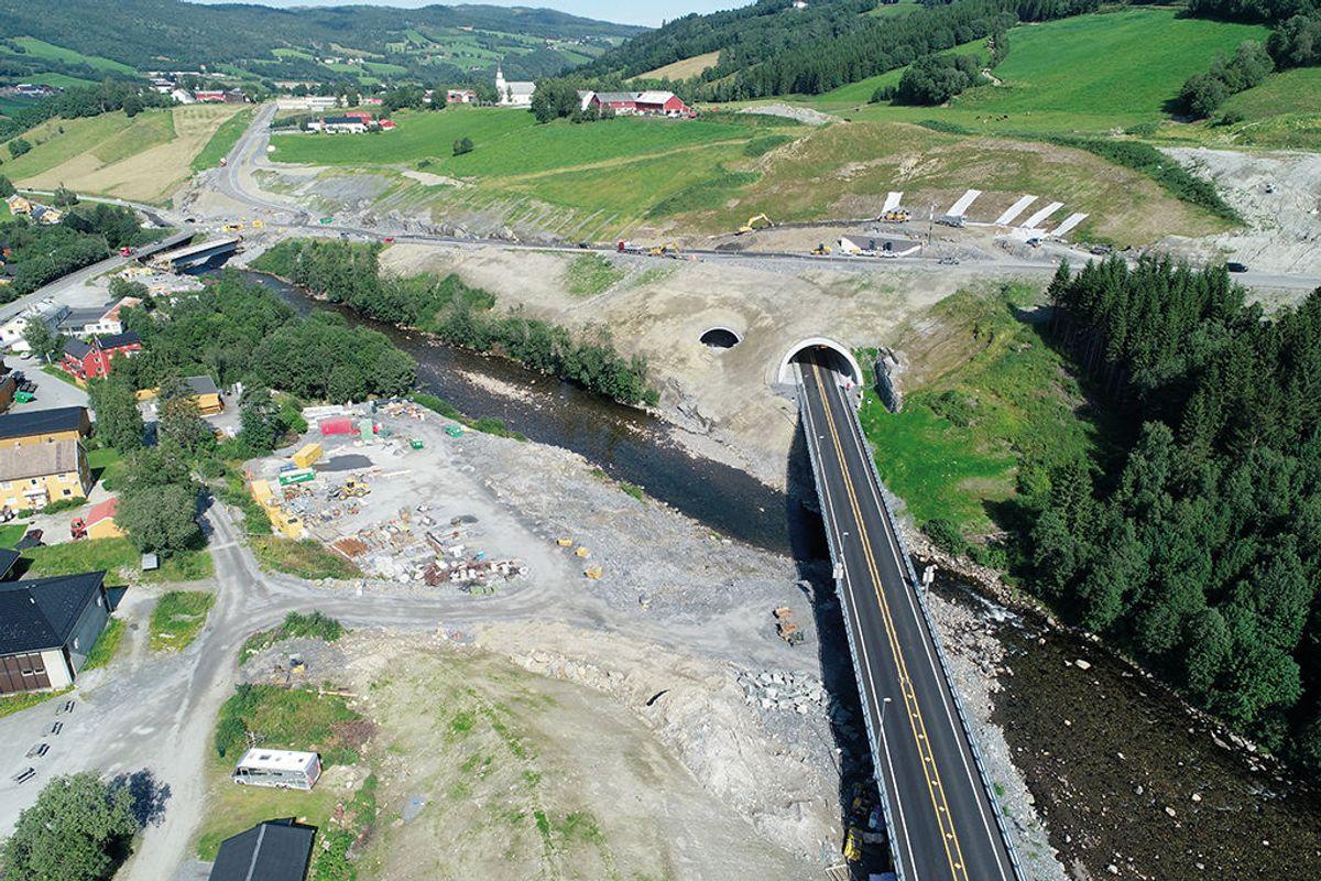 Prosjektet inneholder flere bruer og ikke minst Soknedalstunnelen. Foto: Zbigniew Danielewski