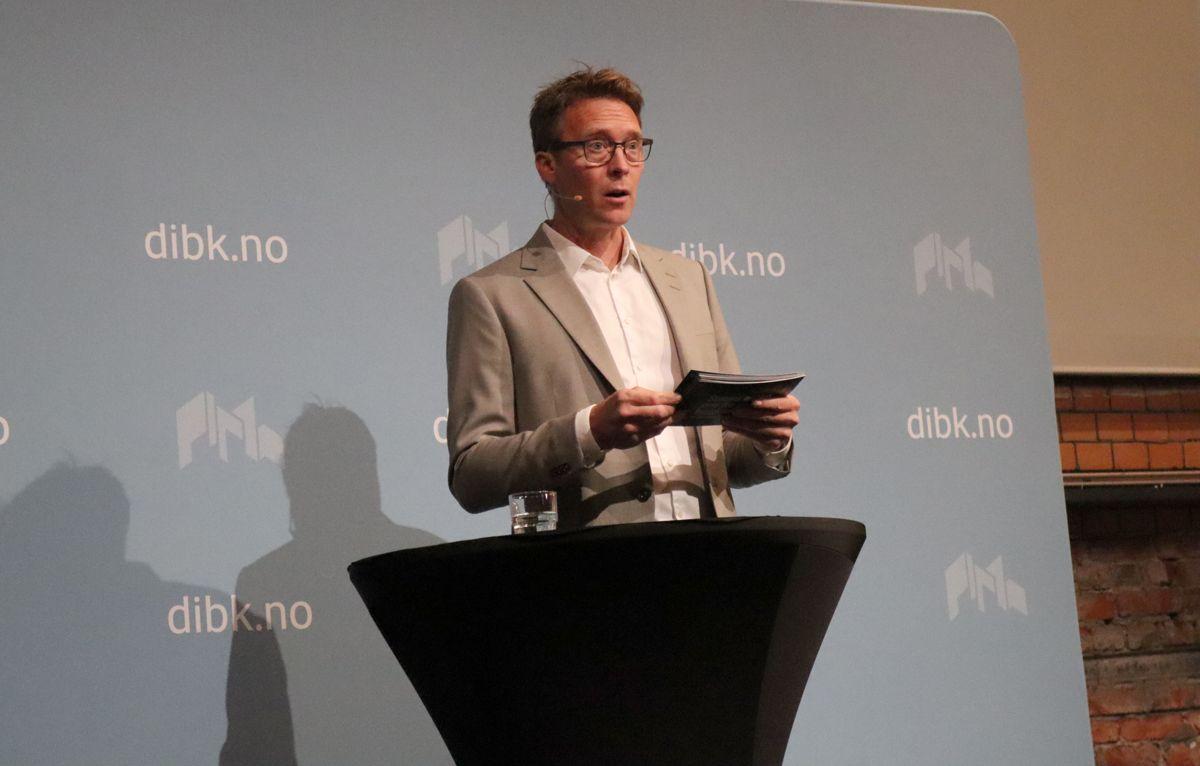 Prosjektleder Kenneth Harstad i Aspelin Ramm presenterte Infill-prosjektet Nordre gate 20-22, som var en av tre nominerte til Statens pris for byggkvalitet. Foto: Svanhild Blakstad