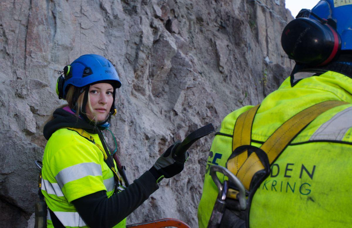 Lærling Ingrid Skårnes i Gjerden Fjellsikring.
