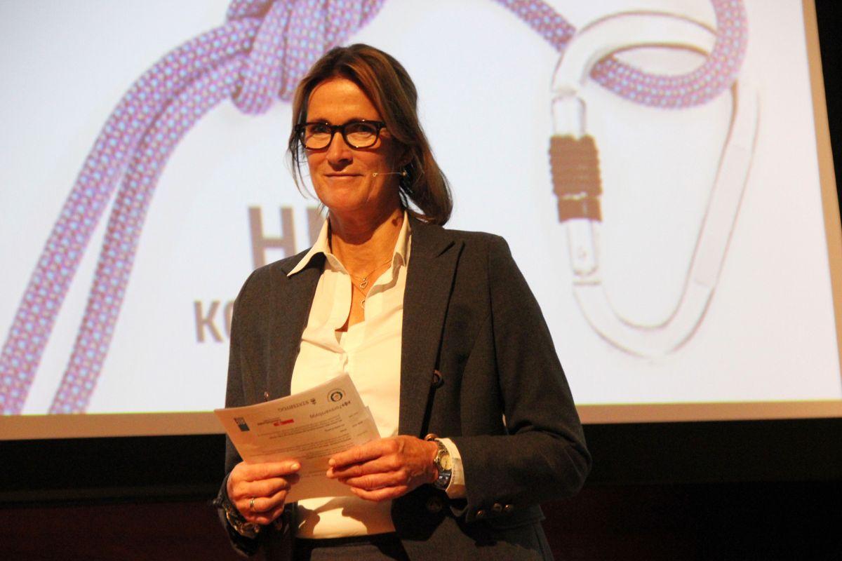 <p>Kari Sandberg, administrerende direktør i EBA, under HMS-konferansen 2016. Foto: Svanhild Blakstad</p>