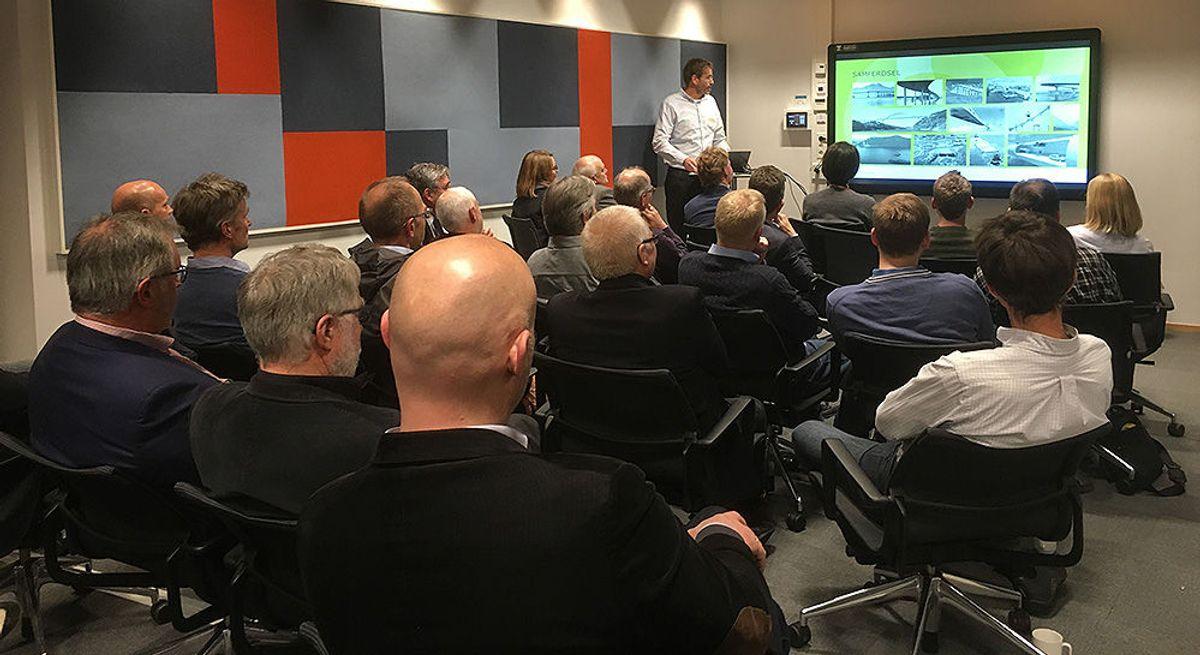 Seksjonsleder Samferdsel & Infrastruktur, Stein Atle Haugerud, presenterte flere spennende konsept for interesserte tilhørere.