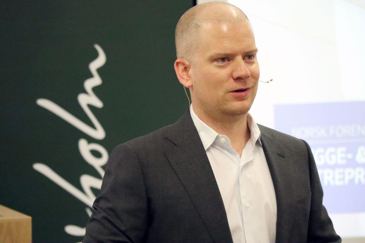 <p></p><p>Partner Hans Augun Parmann i Wiersholm var konferansier for entrepriserettsseminaret. Foto: Svanhild Blakstad</p>