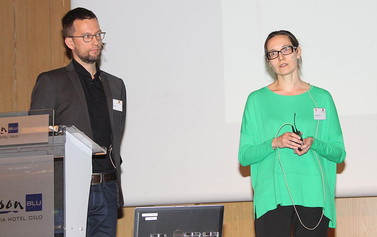 Hanna Hyvönen og Teo Tammiwuori fortalte om Kirjastosilta-brua.